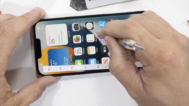 Kiểm chứng độ bền iPhone 13 Pro Max: Những điều mà Apple không nói với người dùng? - Ảnh 4.