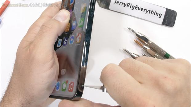 Kiểm chứng độ bền iPhone 13 Pro Max: Những điều mà Apple không nói với người dùng? - Ảnh 7.