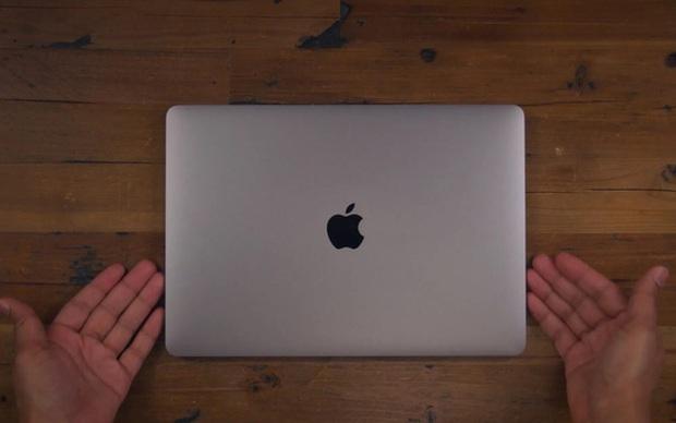 Apple có thể sẽ ra mắt MacBook Pro mới trang bị chip xử lý M1X trong tháng 10 - Ảnh 1.