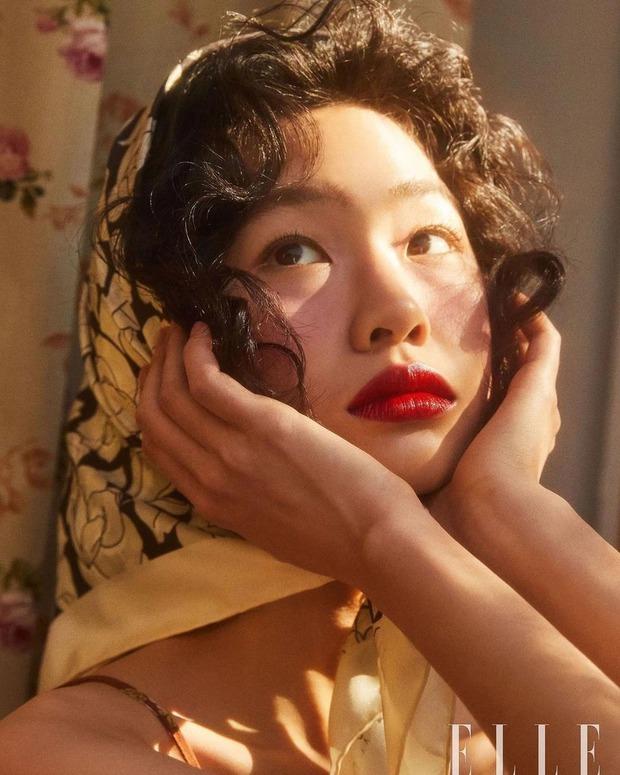 Trong đêm qua, nữ chính Squid Game đã đổi đời: Tăng gần 1 triệu follow, chính thức vượt Lee Sung Kyung đứng đầu Kbiz - Ảnh 2.