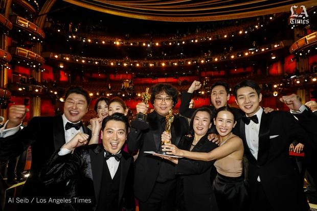 Mỹ nhân Ký Sinh Trùng hỏi Leonardo DiCaprio có biết BTS không ngay trên sân khấu Oscar, ai dè nhận được câu trả lời xôn xao MXH - Ảnh 1.