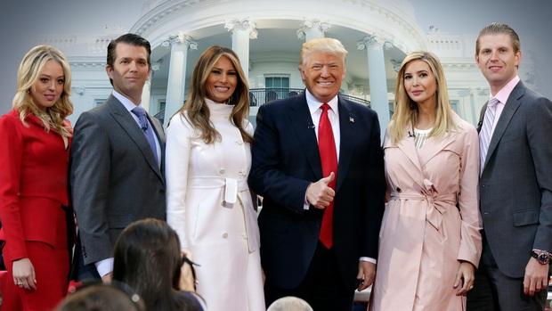 """Cựu trợ lý tiết lộ loạt chuyện """"thâm cung bí sử"""" gây sốc về nhà Trump, mối quan hệ mẹ kế con chồng còn căng thẳng hơn lời đồn? - Ảnh 3."""