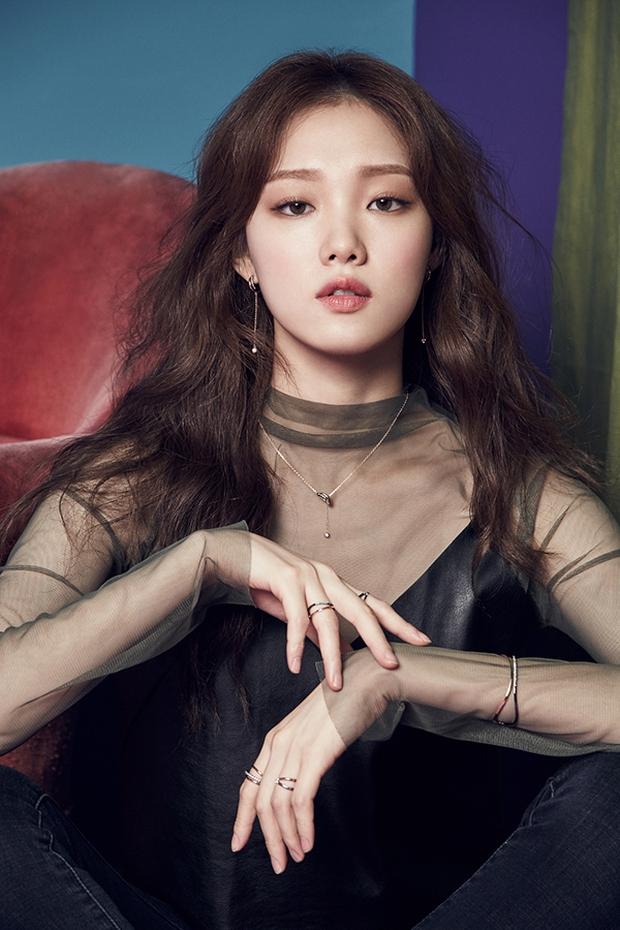 Trong đêm qua, nữ chính Squid Game đã đổi đời: Tăng gần 1 triệu follow, chính thức vượt Lee Sung Kyung đứng đầu Kbiz - Ảnh 5.