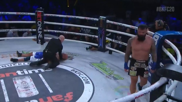 Võ sĩ kỳ cựu qua đời thương tâm sau khi bị đấm gục trên sàn đấu, khoảnh khắc trong trận đấu cuối cùng gây ám ảnh - Ảnh 2.