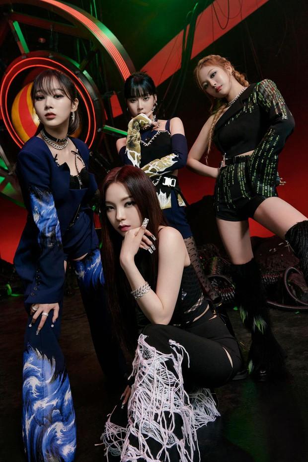 aespa lập kỷ lục mới đáng kinh ngạc mảng nhạc số, vượt mặt cả BTS, Red Velvet còn ITZY thì ra chuồng gà tìm - Ảnh 2.