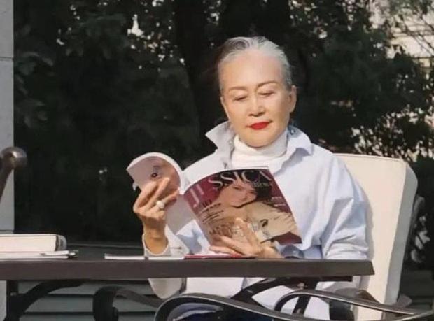 Cụ bà U80 với nghị lực khiến ai cũng ngưỡng mộ: 40 tuổi rửa bát thuê để du học, 70 tuổi làm tổng giám đốc, hăng say lao động thực hiện ước mơ - Ảnh 4.