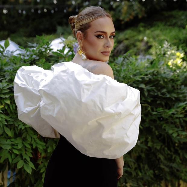 Adele sau 6 năm ở ẩn: Chấn động thế giới với màn giảm 45kg hậu ly hôn, vừa lột xác là có luôn bạn trai máu mặt giới thể thao - Ảnh 13.