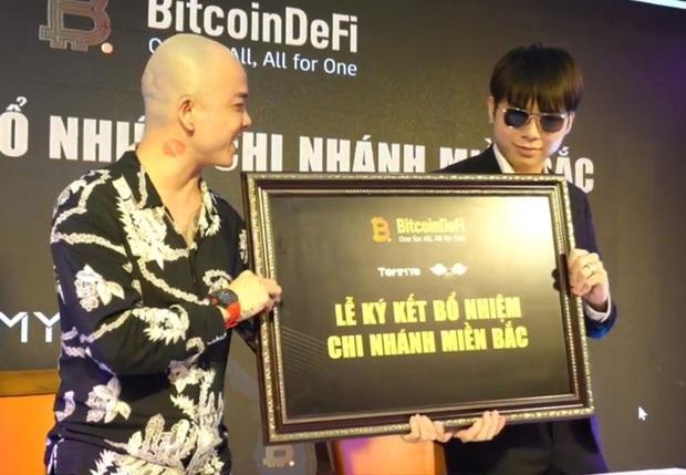 Hoàng Tử Gió Hoàng Đức Nhân từng có quan hệ mật thiết với thủ lĩnh BitcoinDeFi - sàn tiền ảo khiến nhiều người tán gia bại sản - Ảnh 3.