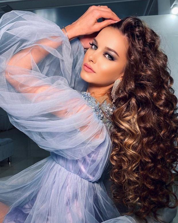 Lâu lắm thế giới mới có Hoa hậu đăng quang đẹp nhường này: Xinh như thiên thần trong cổ tích, nhan sắc đời thường gây choáng - Ảnh 9.
