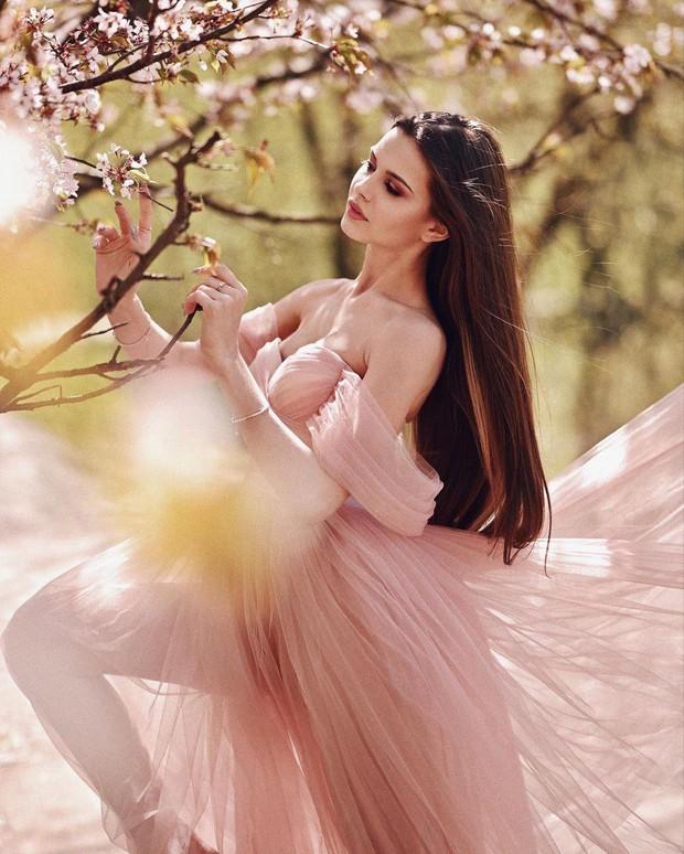 Lâu lắm thế giới mới có Hoa hậu đăng quang đẹp nhường này: Xinh như thiên thần trong cổ tích, nhan sắc đời thường gây choáng - Ảnh 10.