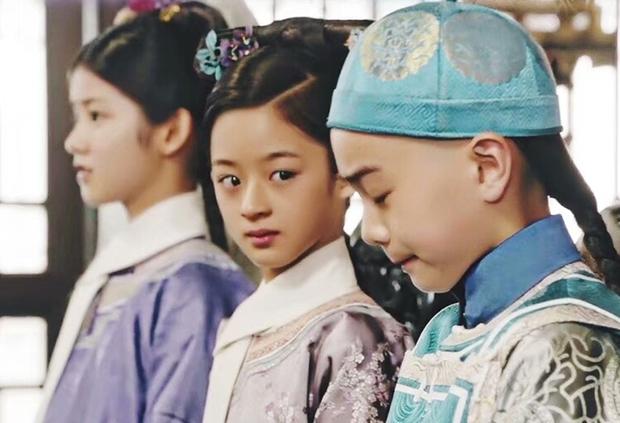 Weibo sốt xình xịch với visual tiểu mỹ nhân đóng cùng Triệu Lệ Dĩnh, mới 14 tuổi nhưng nhan sắc đã đẹp tựa tiên tử - Ảnh 12.