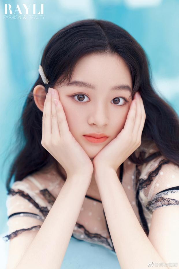 Weibo sốt xình xịch với visual tiểu mỹ nhân đóng cùng Triệu Lệ Dĩnh, mới 14 tuổi nhưng nhan sắc đã đẹp tựa tiên tử - Ảnh 15.