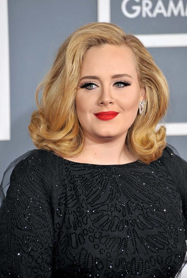 Adele sau 6 năm ở ẩn: Chấn động thế giới với màn giảm 45kg hậu ly hôn, vừa lột xác là có luôn bạn trai máu mặt giới thể thao - Ảnh 8.