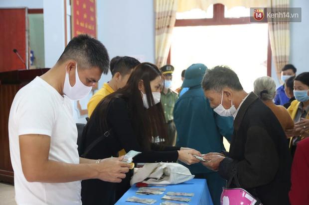 Quảng Trị khó xác định chính xác tổng số tiền từ thiện ca sĩ Thủy Tiên trao tặng - Ảnh 2.