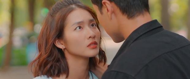 Khả Ngân - Thanh Sơn ôm hôn đắm đuối, suýt có cả cảnh 18+ nhưng lại bị phá đám ở 11 Tháng 5 Ngày - Ảnh 8.