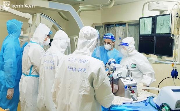 Kỳ tích: Cô gái 26 tuổi nhiễm Covid-19 ho ra máu, phải can thiệp ECMO 38 ngày đã được cứu sống - Ảnh 1.