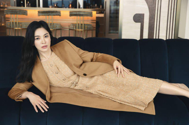 Song Joong Ki vừa liếc mắt đưa tình với bạn gái tin đồn, Song Hye Kyo liền có luôn động thái: Là cố ý hay trùng hợp đây? - Ảnh 8.