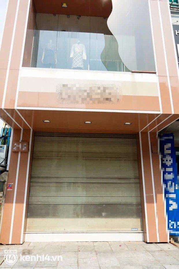 Sau vụ đánh ghen náo loạn Hồ Tây, 3 shop quần áo của tiểu tam đều bất ngờ cửa đóng then cài - Ảnh 5.