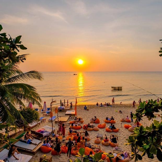 HOT: Du lịch Việt Nam dự kiến mở cửa hoàn toàn với khách quốc tế từ 6/2022 - Ảnh 1.
