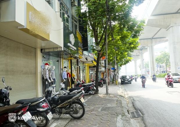 Sau vụ đánh ghen náo loạn Hồ Tây, 3 shop quần áo của tiểu tam đều bất ngờ cửa đóng then cài - Ảnh 3.