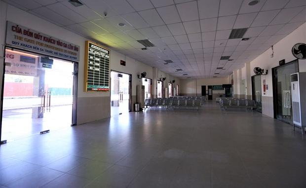 Đà Nẵng đồng ý mở lại hoạt động đường sắt, hàng không - Ảnh 2.