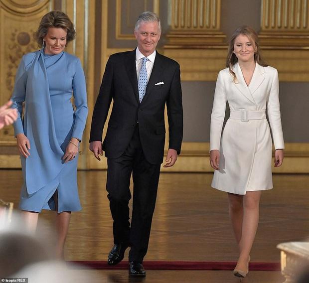 Công chúa đẹp tựa nữ thần của Hoàng gia Bỉ thay đổi thế nào sau 2 năm gây sốt MXH? - Ảnh 1.
