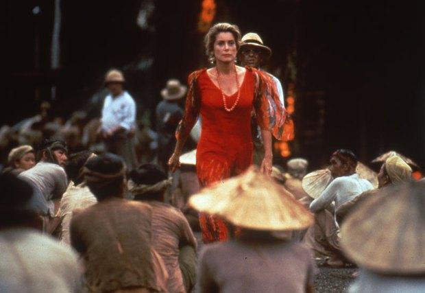1 phim về Việt Nam của Pháp đẹp kinh hoàng đang khiến netizen choáng váng: Chuẩn từ văn hóa đến trang phục, lại còn thắng Oscar! - Ảnh 1.