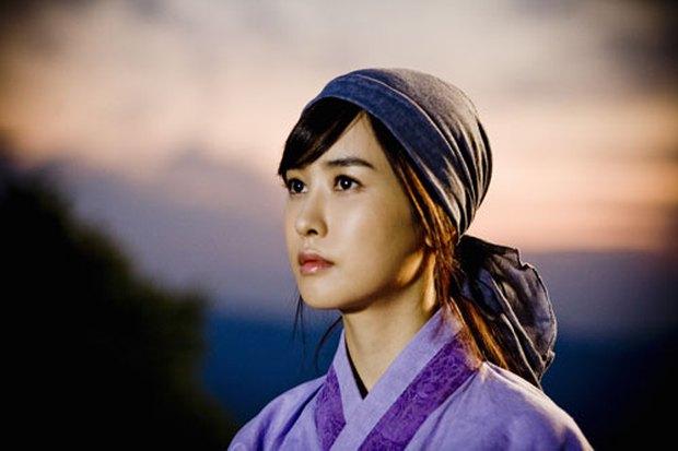 4 mỹ nhân Hàn bị chỉ trích vì quá đẹp trên phim: Yoona đóng xác chết vẫn xinh ngất, tức cười nhất là số 2 - Ảnh 7.