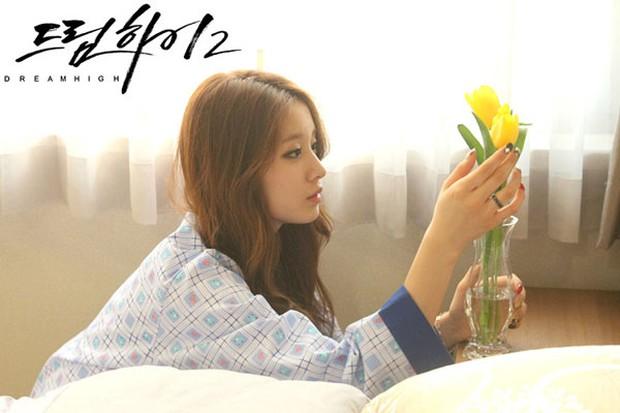 4 mỹ nhân Hàn bị chỉ trích vì quá đẹp trên phim: Yoona đóng xác chết vẫn xinh ngất, tức cười nhất là số 2 - Ảnh 9.