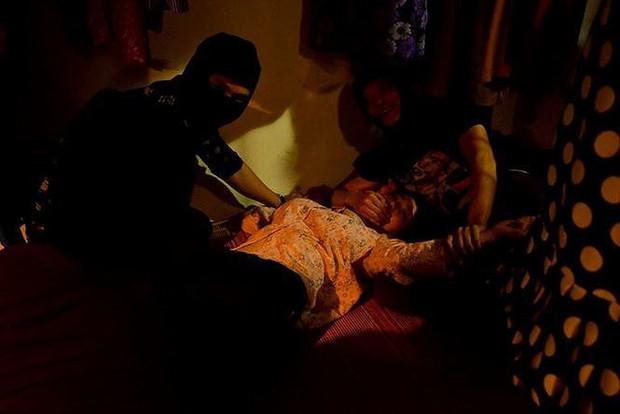 Loạt cảnh nóng đốt mắt của truyền hình Việt: Sốc nhất là màn cưỡng bức người ở của mợ Hai Cao Thái Hà - Ảnh 9.