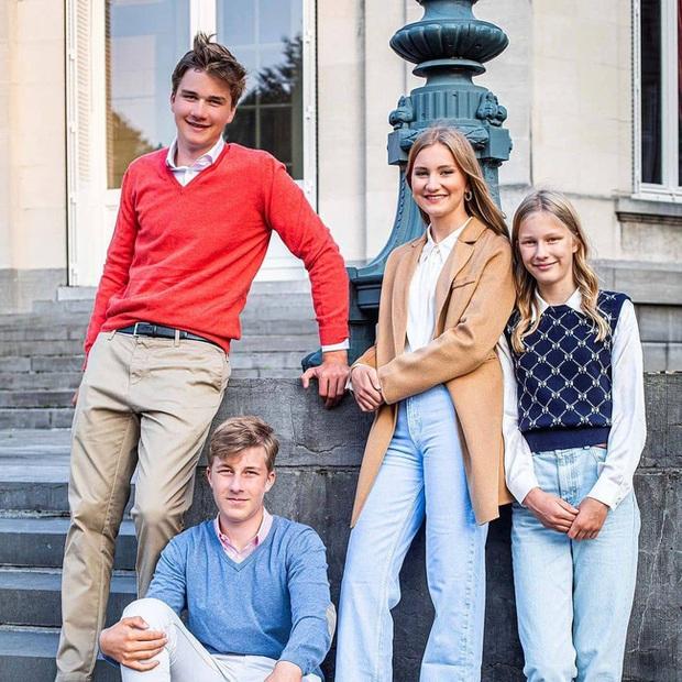 Công chúa đẹp tựa nữ thần của Hoàng gia Bỉ thay đổi thế nào sau 2 năm gây sốt MXH? - Ảnh 3.