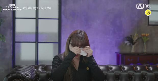Dừng hình trước nhan sắc lại khác lạ của Park Bom: Người đổ tại makeup, kẻ khẳng định là dao kéo - Ảnh 2.