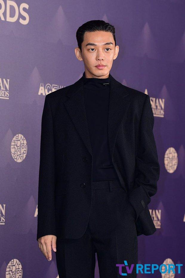 Yoo Ah In lại giật cúp Ảnh đế tại AFA ở LHP Busan 2021, quý ông cực phẩm  Lee Byung Hun được xướng tên - Ảnh 3.