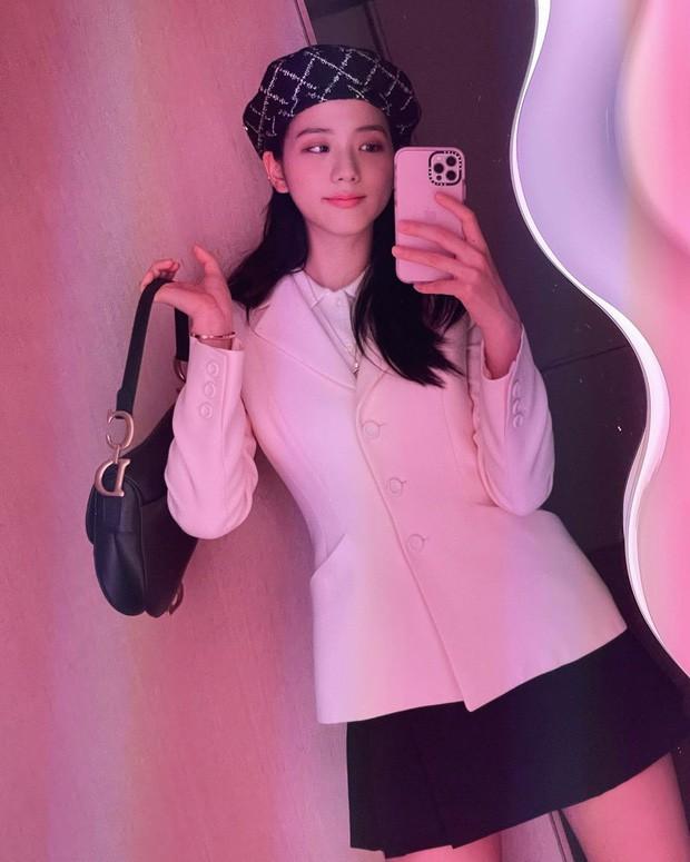 Jisoo là thành viên đầu tiên của BLACKPINK sở hữu iPhone 13, là màu hồng hay màu xanh mới? - Ảnh 6.