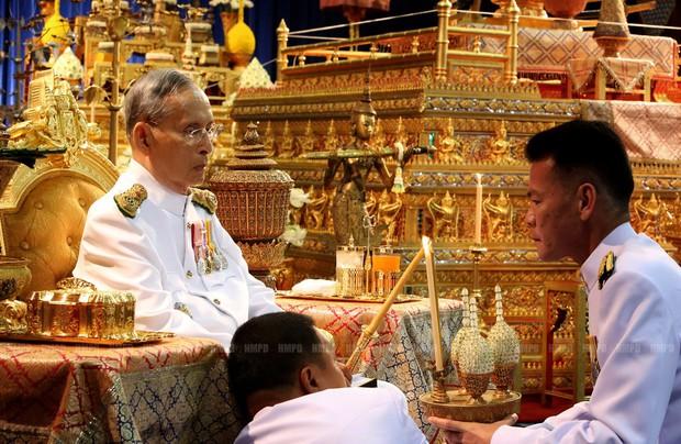 Thâm nhập vào thế giới siêu giàu Thái Lan giữa đại dịch: Vẫn điên cuồng đốt tiền, chẳng ngại chốt siêu xe tiền tỉ chỉ để khoe mẽ - Ảnh 2.