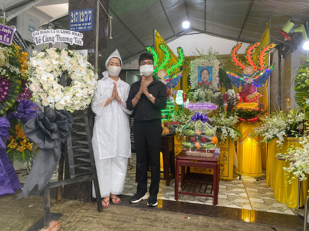 Tang lễ mẹ ruột Trịnh Kim Chi: NS Hồng Vân đến viếng, xót xa khi nhìn thấy đàn em suy sụp, ốm đi vì quá đau buồn - Ảnh 3.
