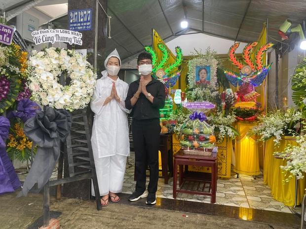 Trịnh Kim Chi tiều tuỵ, buồn bã trong tang lễ mẹ ruột, Long Nhật thành kính đến chia buồn - Ảnh 2.