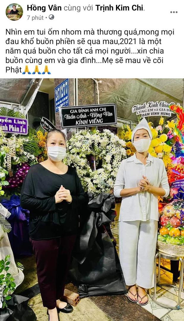 Tang lễ mẹ ruột Trịnh Kim Chi: NS Hồng Vân đến viếng, xót xa khi nhìn thấy đàn em suy sụp, ốm đi vì quá đau buồn - Ảnh 2.