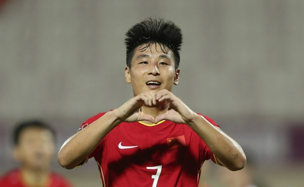Tuyển thủ Trung Quốc bất ngờ không nhận bàn thắng, đánh giá đội nhà gặp khó trước Việt Nam - Ảnh 1.