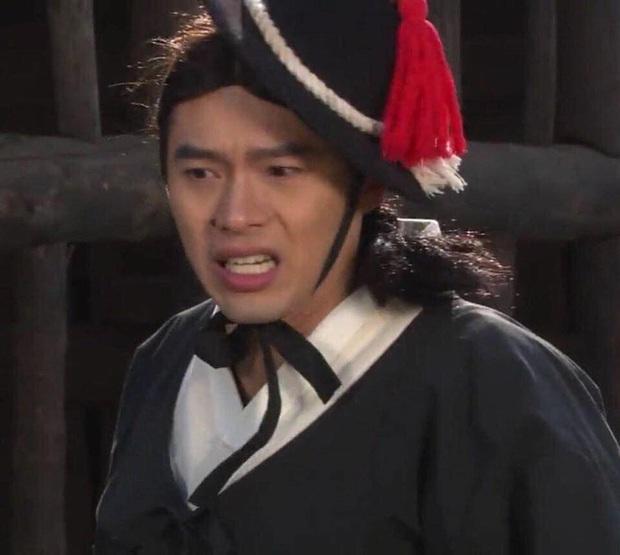Trước khi làm anh xã cực phẩm của Son Ye Jin, Hyun Bin từng có loạt tạo hình muốn chôn sống trên màn ảnh - Ảnh 4.