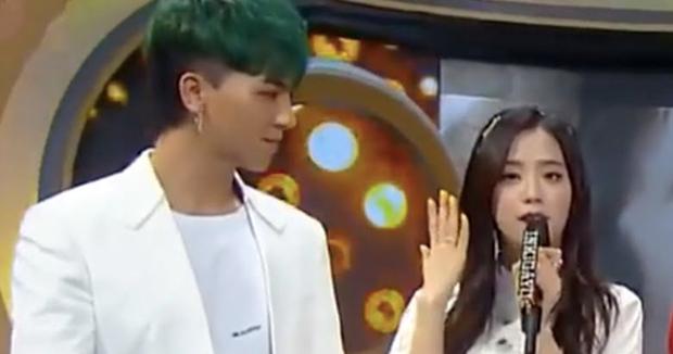 Jisoo lộ hint hẹn hò toàn sao hạng A: Đều giữ nguyên 1 thái độ với BIGBANG đến BTS, đến cầu thủ đắt giá nhất châu Á thì khác hẳn - Ảnh 7.