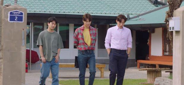 Kim Seon Ho - Shin Min Ah cãi nhau to, lý do chỉ vì một bức hình ở Hometown Cha-Cha-Cha tập 13? - Ảnh 2.