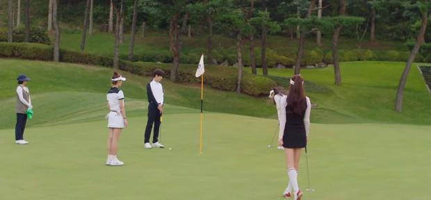 Kim Seon Ho - Shin Min Ah cãi nhau to, lý do chỉ vì một bức hình ở Hometown Cha-Cha-Cha tập 13? - Ảnh 3.
