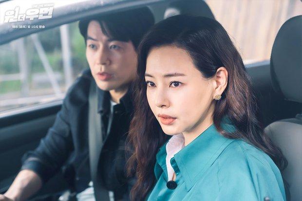 Rating phim của Kim Go Eun lại tụt thê thảm, bom tấn có nữ chính nói tiếng Việt thăng hạng chạm nóc - Ảnh 1.