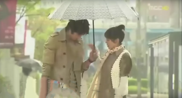 Son Ye Jin có mỗi một kiểu cưa crush mà xài gần 20 năm, tới thời u mê Hyun Bin chị đẹp vẫn chưa bỏ  - Ảnh 4.