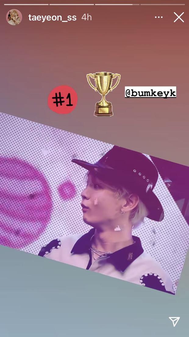 Nam idol 13 năm bật khóc từ sân khấu ra phố vì chiến thắng solo đầu tiên, fan nhìn vừa cười vừa thương - Ảnh 10.