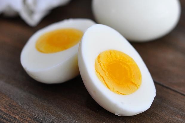 Lòng trắng trứng giàu dinh dưỡng lại chứa lượng collagen dồi dào nhưng chuyên gia khẳng định chỉ tốt khi dùng đúng cách - Ảnh 1.