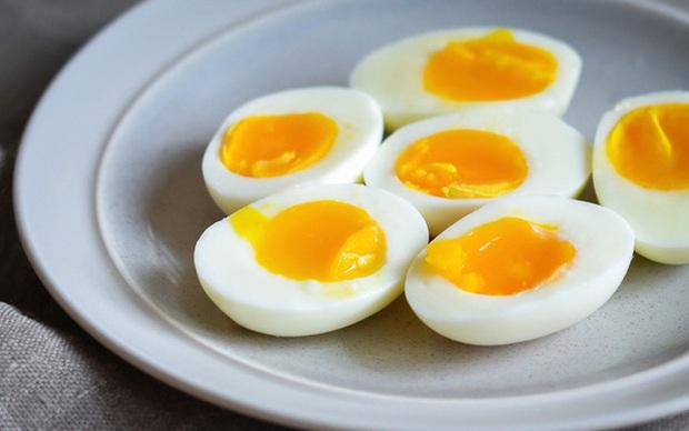 Lòng trắng trứng giàu dinh dưỡng lại chứa lượng collagen dồi dào nhưng chuyên gia khẳng định chỉ tốt khi dùng đúng cách - Ảnh 2.