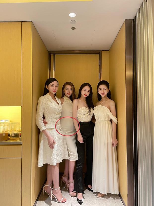 Tân Hoa hậu Chuyển giới Việt Nam 2020 Trân Đài lộ vòng 2 kém thon gọn trong ảnh đọ sắc cực gắt bên Hương Giang và 2 Á quân - Ảnh 2.
