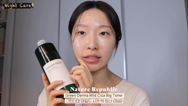 """Makeup artist người Hàn chia sẻ loạt sản phẩm đỉnh cao giúp cô """"cải tạo"""" làn da thâm mụn xấu xí trở nên căng mướt như phủ sương - Ảnh 9."""